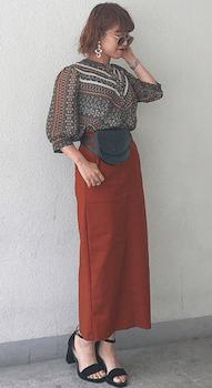 エスニックブラウス×ロングスカート×アンクルストラップサンダルのエスニックファッション