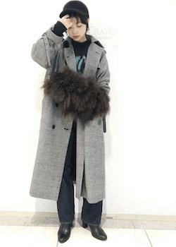 ファーバッグ×ロングコート×ジーンズのコーデ(2019-20秋冬編)