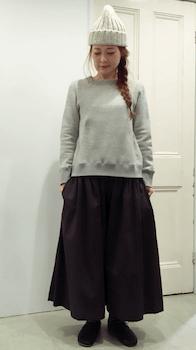 トレーナー×スカーチョ×レディースのリラックスコーデ(冬編)