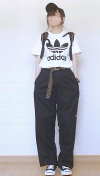 アディダスTシャツ×キャップ×ワークパンツのレディースのコーデ(夏編)