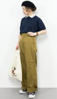 襟付き半袖トップス×サマーニット帽子×ワークパンツのレディースのコーデ(夏編)