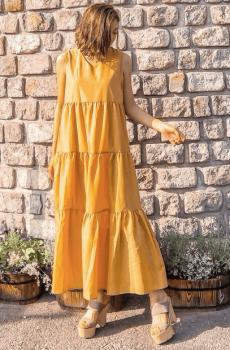 厚底サンダル×黄色のティアードワンピースの夏コーデ