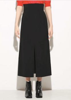 フロントスリットのスカート