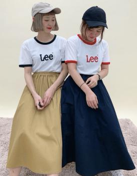 リンガーTシャツ×スカートの双子コーデ