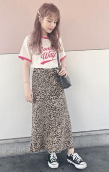 リンガーTシャツ×レオパード柄スカート