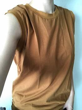 ノースリーブのレディースに人気でおしゃれな無地Tシャツ