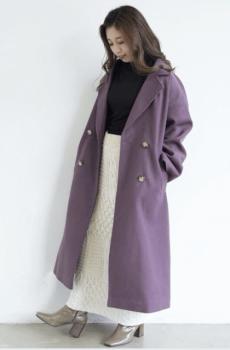 パープルのロングPコート×編み込みタイトスカート