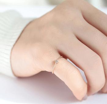 指輪の重ね付けにおすすめの指輪:ピンキーリング
