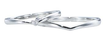 指輪の重ね付けにおすすめな指輪:V字デザインリング
