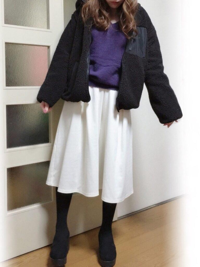 ボアジャケット×紫のニット×タイツ×GUのガウチョパンツのコーデ