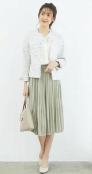 ツイードジャケット×グリーンのプリーツスカート
