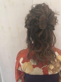 卒業式で袴に合うレディースのセミロングの髪型を紹介!