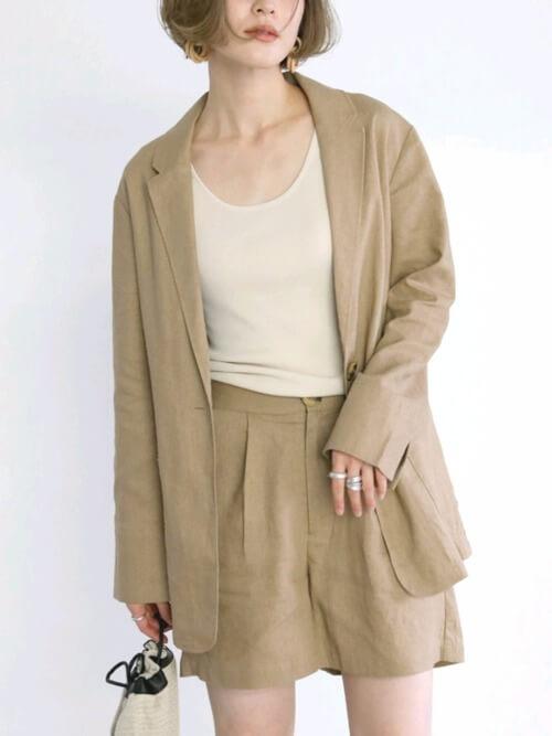 オーバーサイズのサマージャケットの着こなしのコツ
