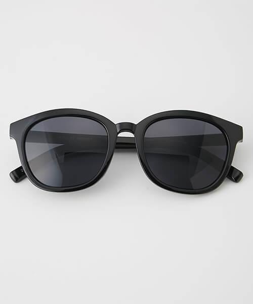 面長に似合うサングラスの選び方2:ウェリントン