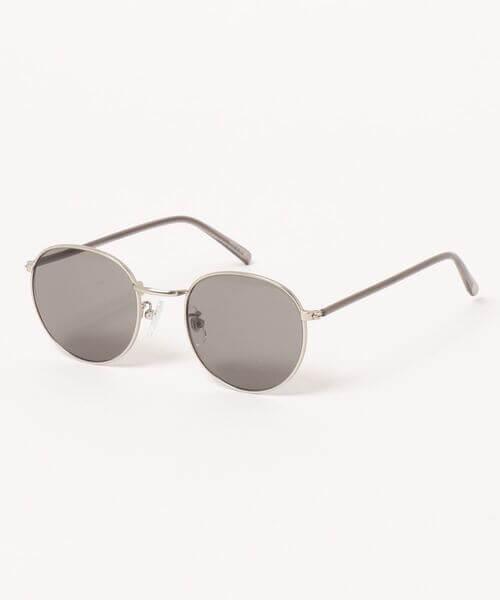 四角顔に似合うサングラスの選び方2:ラウンド