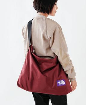 ショルダー型のマザーズバッグ