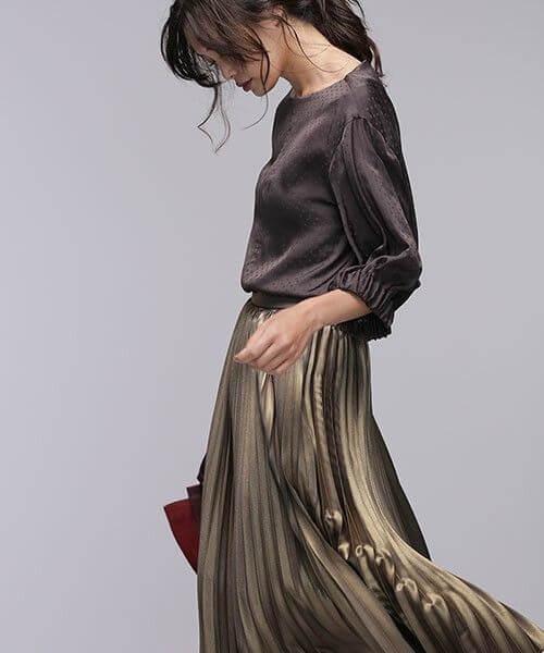 2021春服のトレンド素材:メタリック