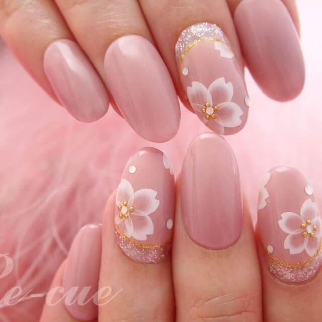 薄ピンク桜ネイル