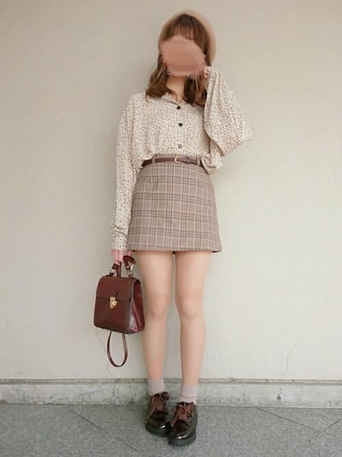 スカート×ベレー帽×ローファー
