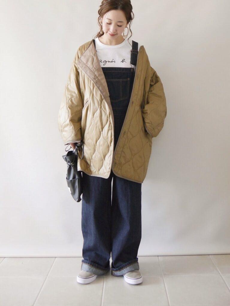 VANSのスニーカー×ノーカラーキルティングジャケット×オーバーオール×白T