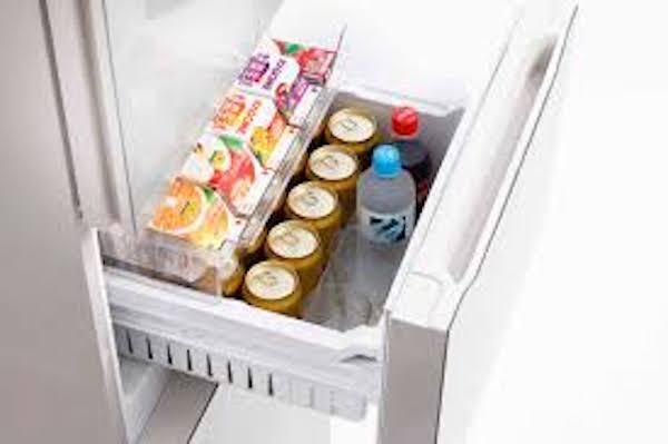 ストッキングを長持ちさせる方法3:冷蔵庫で保管する