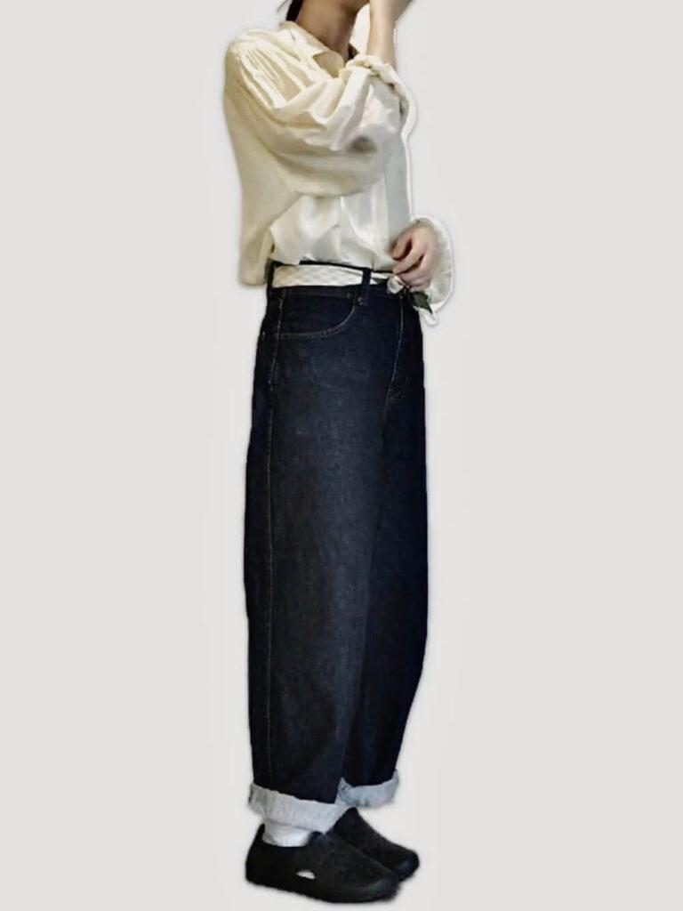 スリッポン×シャツ×デニムパンツ