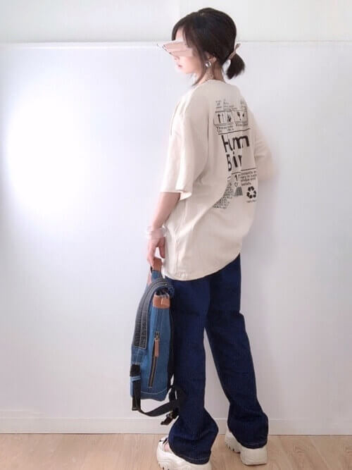 Tシャツ×デニム×スニーカー