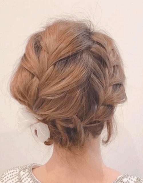 ダブル編み込み+ショートの髪型