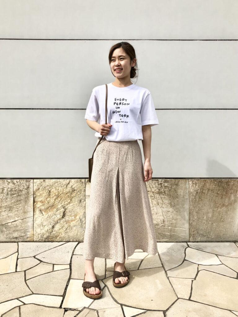 ユニクロのスカーチョ×Tシャツ×サンダル