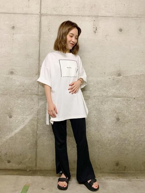 ロゴTシャツのコーデ方法: