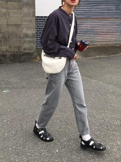 グルカサンダルの着こなし方:靴下と合わせてこなれ感をアップ!