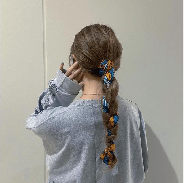 バンダナ・スカーフのヘアアレンジ:三つ編み