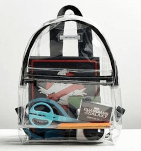 クリアバックの中身をおしゃれに見せる方法:クリアバッグのカタチで差をつける