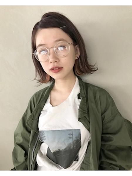 伊達メガネが合うレディースの髪型2:ボブ