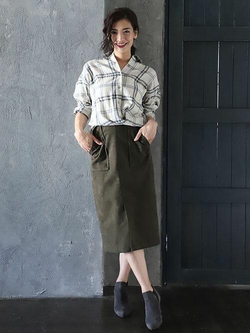 シャツ×スカート