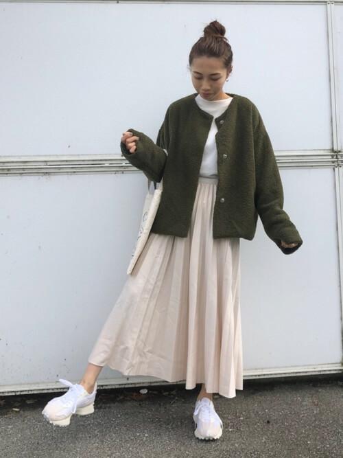 アウター×プリーツスカート