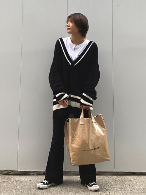 黒のコーデュロイパンツの着こなし:スタイリッシュに決める!