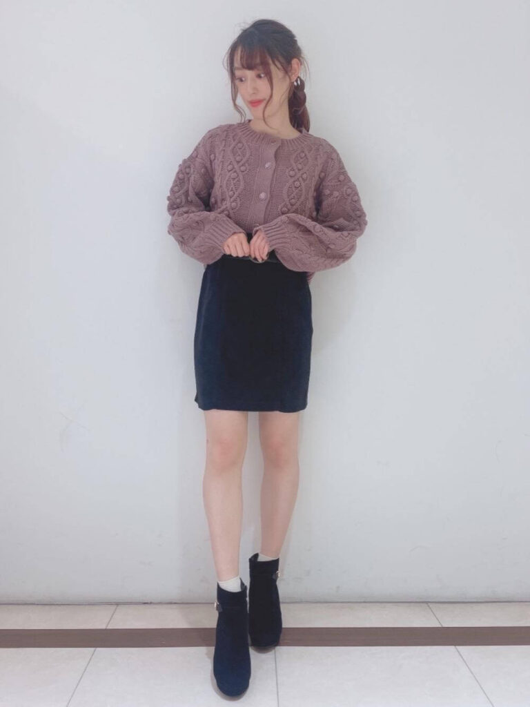 NGなレディースのオフィスコーデ:ミニスカート