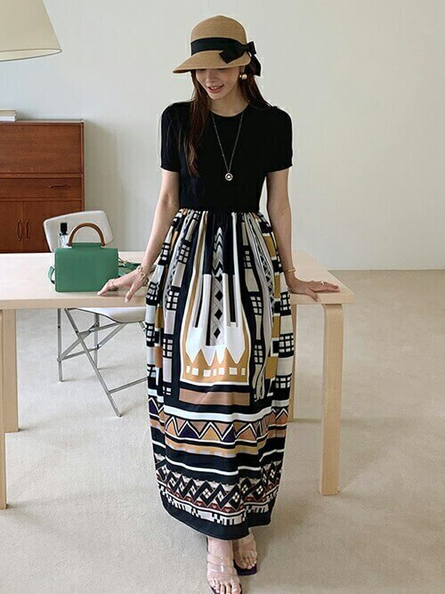 エスニックファッションのおしゃれな着こなし方:色と柄のバランスを意識!