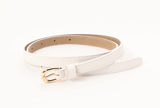 レディースのベルトで使いやすい色:白色