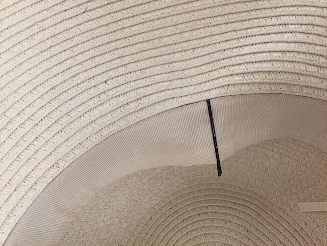 100均や自宅にあるアイテムを使った帽子が風で飛ばない方法:ヘアピン!