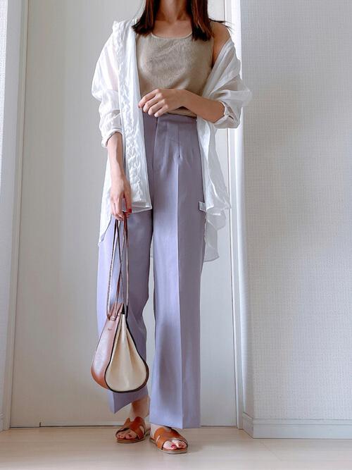 基本のワイドパンツの着こなし方:春夏はワイドパンツの素材や色を意識!