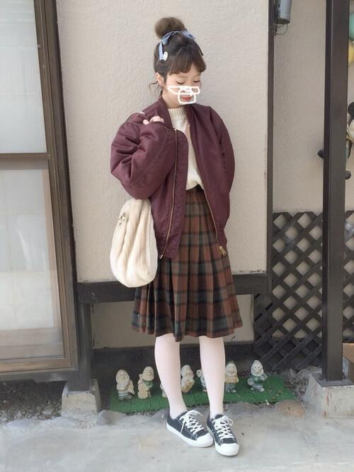 白トップス×プリーツスカート