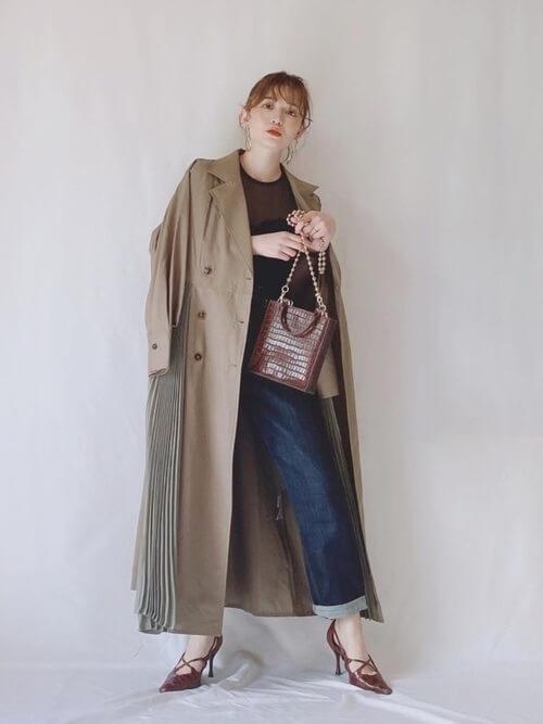 秋のトレンチコートはいつから着る?:10月:トレントコートを脱いでもOKな服装で!