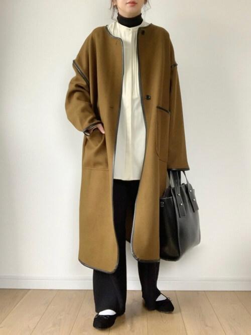 ガウンコートの着こなし方:バイピングを活かしたトレンドスタイル!