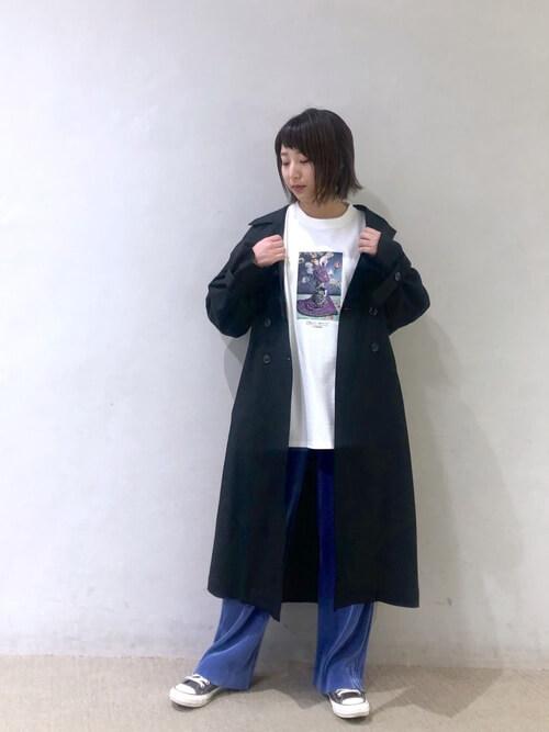 Tシャツ×プリーツパンツ