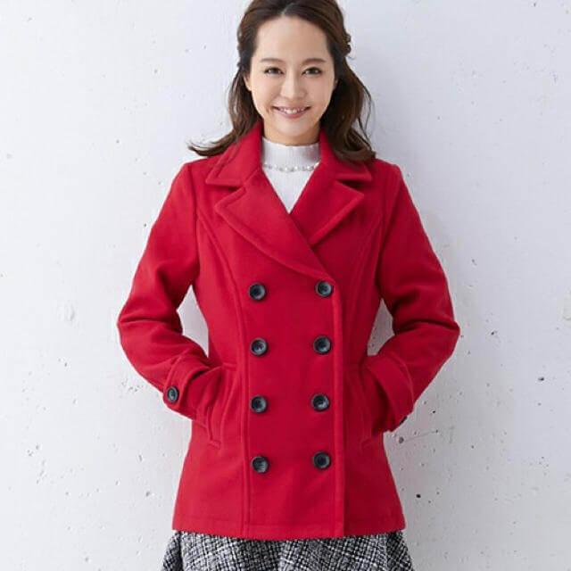 赤のPコートのレディースコーデ