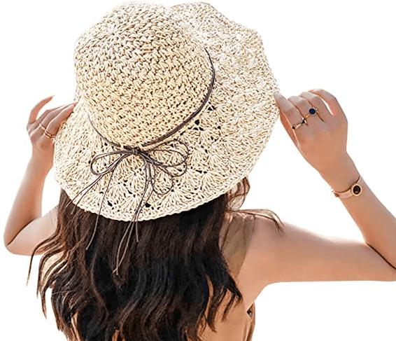 帽子が風で飛ばない方法